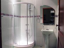 Hostal Mercedes, one of the 4 bathrooms